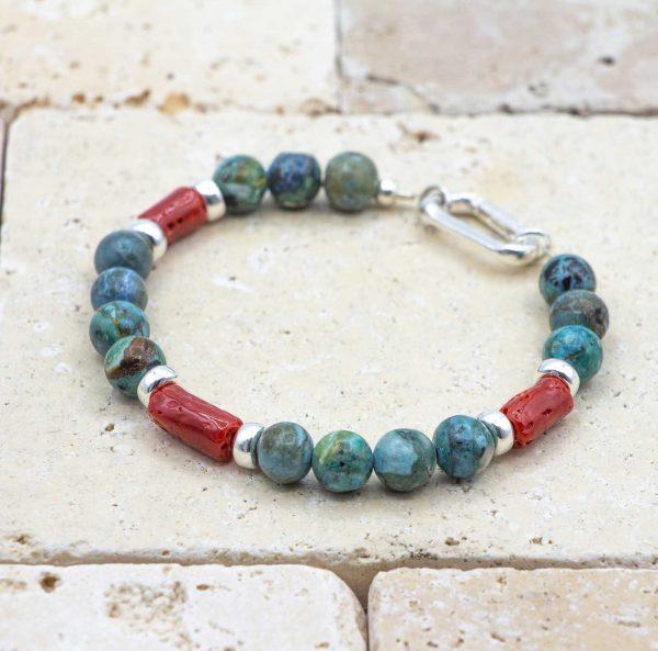 L'élégant est un bracelet pour homme en corail rouge fabriqué par L'atelier du corail à Marseille.