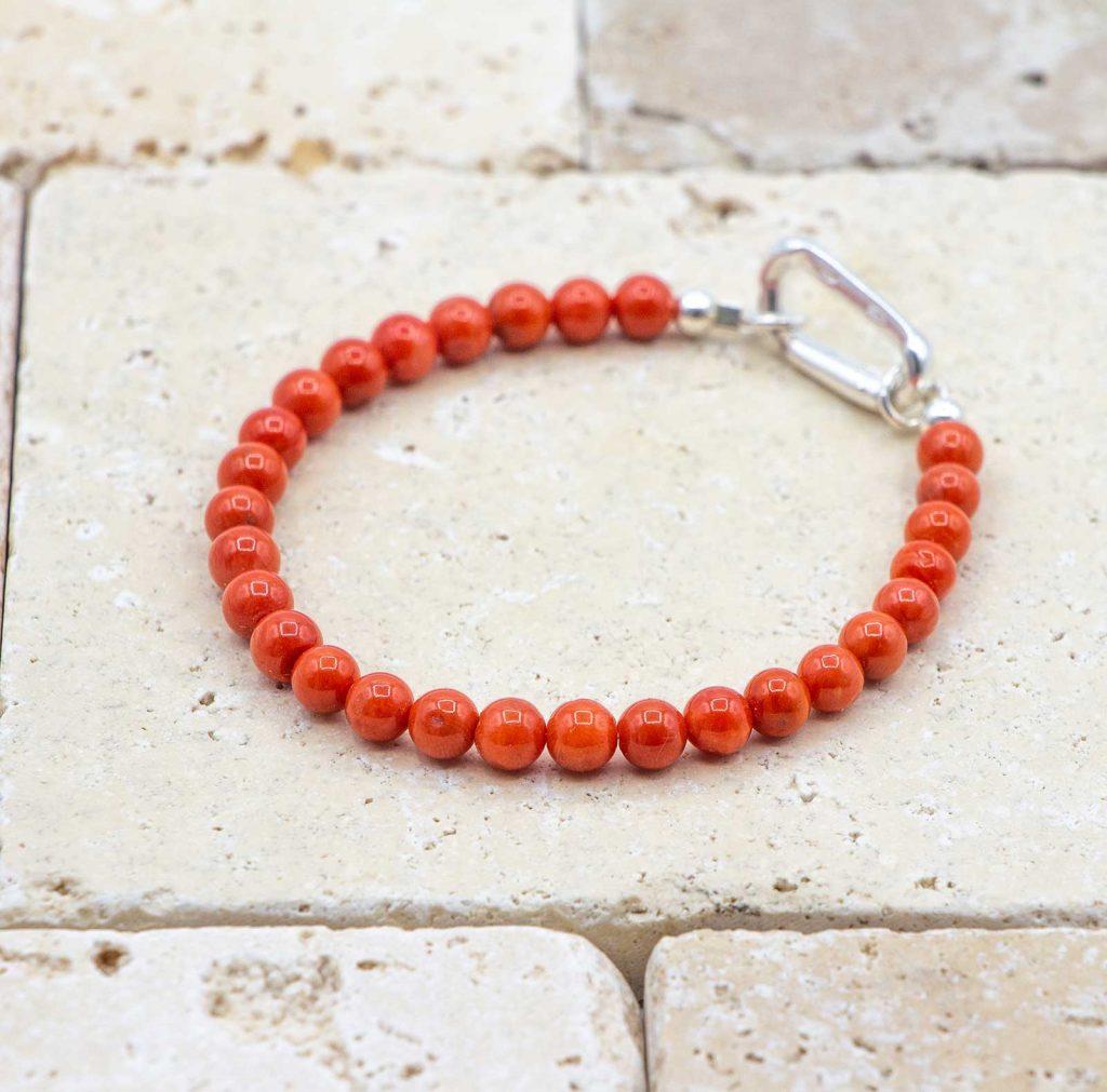 L'homme Chic est un bracelet pour homme en corail rouge fabriqué par L'atelier du corail à Marseille.