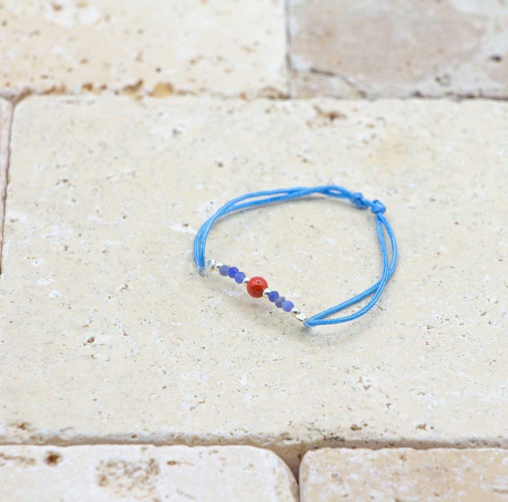 Mini perle / Cordon Bleu est un bracelet pour bébé en corail rouge fabriqué par L'atelier du corail à Marseille.